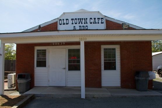 Old Town Cafe & BBQ: Real Comfort Food Restaurant