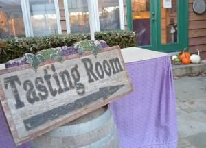 Solomons-Island-Winery-A-Homey-Tasting-Experience_02_YourCalvert