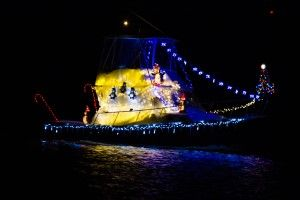Solomons-Lighted-Boat-Parade_04_YourCalvert
